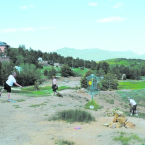 COVER: Disc golf grows in popularity, provides 'healthy addiction' for players