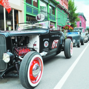 Hot rods highlight 'authentic' 1950s experience