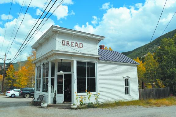 breadbar-exterior