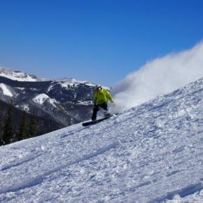 Early season deals help skiers save at Colorado Ski Country USA resorts