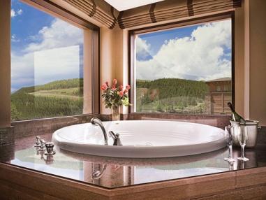 ameristar-hotel_mountain_pine_suite_spa