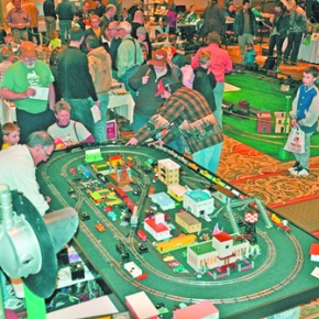 Estes railroaders club celebrates anniversaries at model train show
