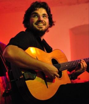 Listen, learn from Gypsy jazzvirtuoso